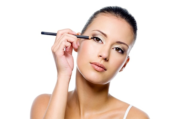 Use Kajal For a Smokey Eye