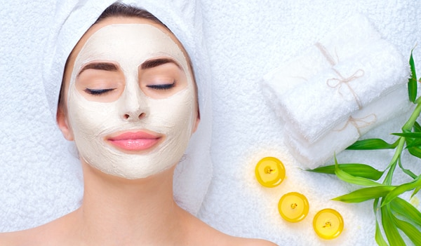 How to give yourself a quick and refreshing facial at home