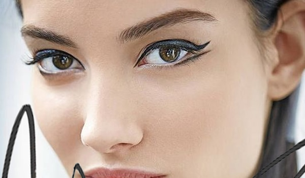 Find out how to recreate the double-winged eyeliner in a few simple steps