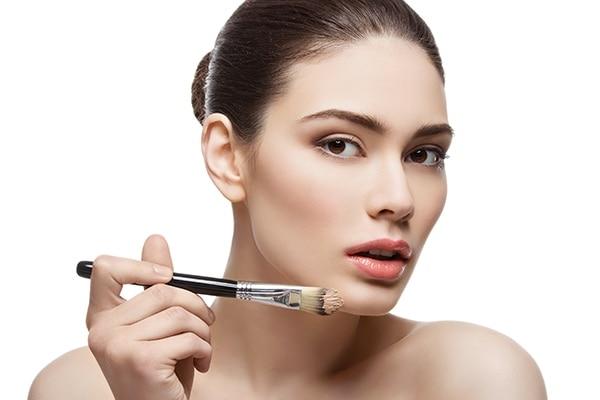 Foundation Makeup: Blend, blend, blend!