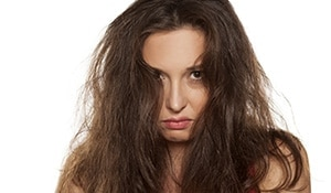 How to get rid of frizz with natural remedies