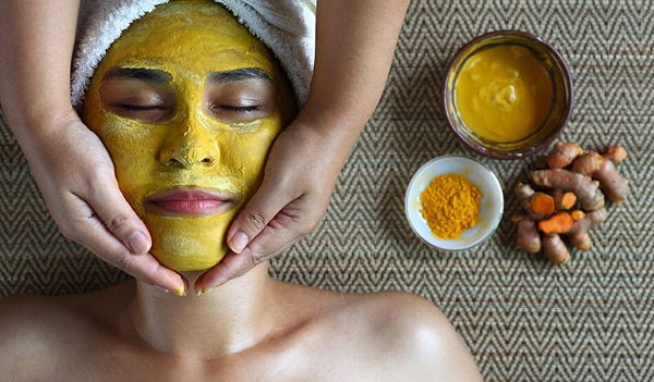 Get Glowing skin with these Turmeric Face Pack Recipes