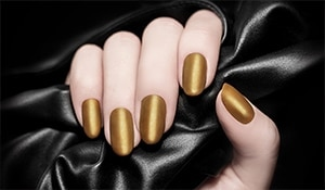 How to pick the right nail shape for your fingers