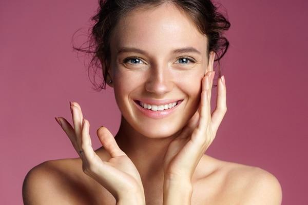 दमकती हुई त्वचा पाने के लिए ज़रूरी हैं ये आयुर्वेदिक प्रोडक्ट्स