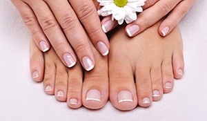 4 super simple home remedies for brittle nails