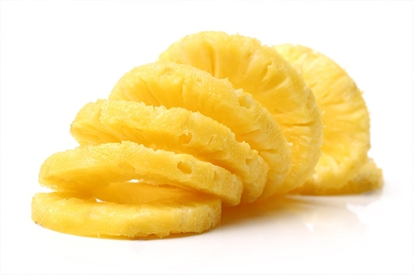 Pineapple slices for bright teeth
