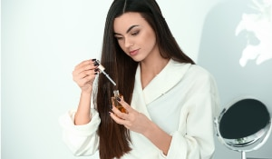 How to apply hair serum the right way: 3-step guide
