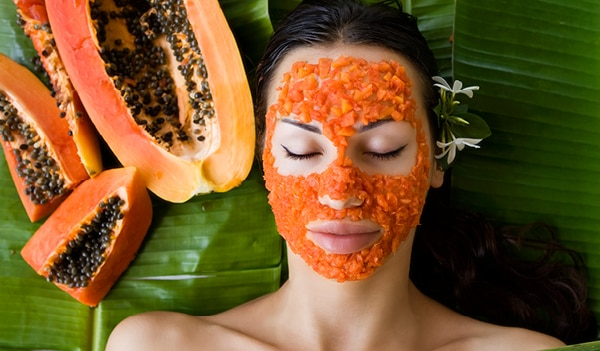 How to do a papaya facial at home for clear and glowing skin