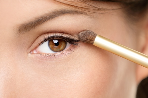 Step 4: The initial shade with an eye shadow brush