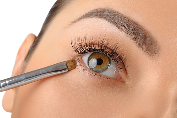 Step 7: Add life to the bottom lash line