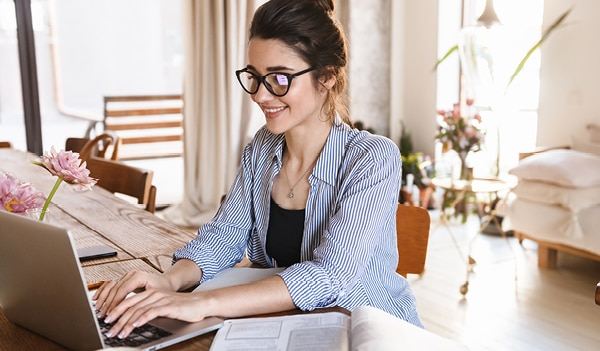 5 tips to maintain a work-life balance while working from home