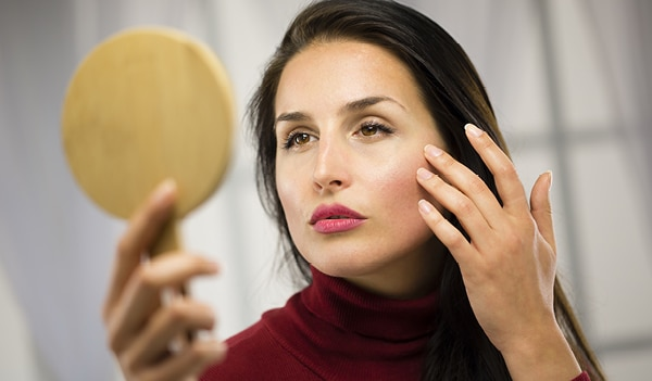 How to reduce the effects of free radicals on your skin according to an expert