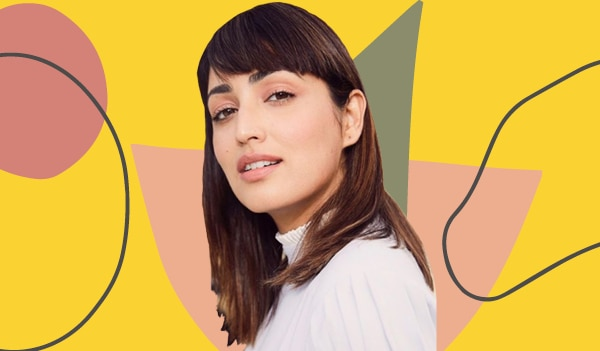 How to use dry shampoo to refresh your bangs