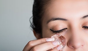 Amazing beauty hacks with ice cubes