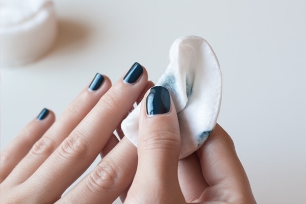 5 ways to dry your nail polish insanely fast