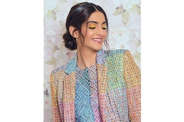 Sonam Kapoor's chic beauty game