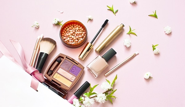 Keep calm and slay! Here are 5 things your vanity kit absolutely needs this summer