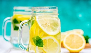 WHY YOU SHOULD DRINK LEMON WATER IN THE MORNING?