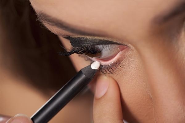 Use nude/white eyeliner
