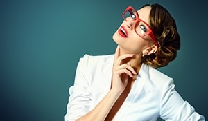 Makeup tricks for every girl who wears glasses