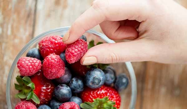 4 ways to incorporate fruit in your diet