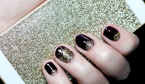 A Step By Step Guide To Remove Glitter Nail Polish