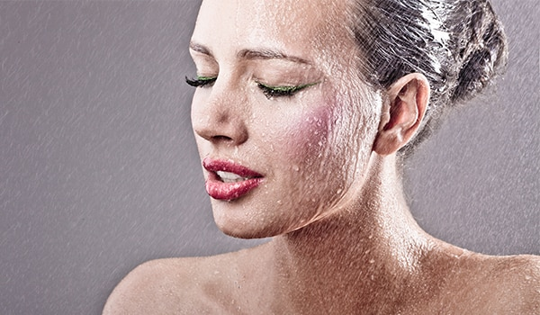 5 tips to take care of oily skin during monsoon