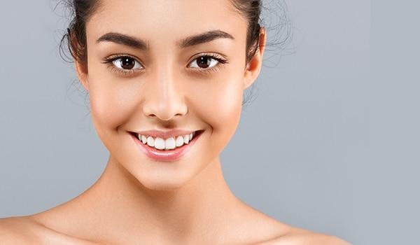 बेदाग़ त्वचा के लिए ख़ुद बनाएं ये 5 फ़ेस पैक्स
