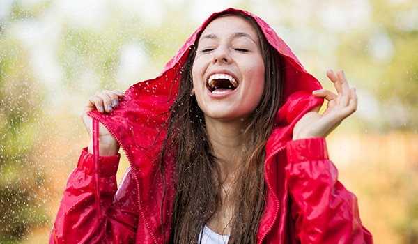 Here's what your hair wants you to do during the monsoon season