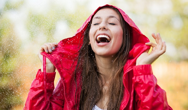 Got caught in the rain? Here's a quick wash-and-dry routine to avoid frizziness