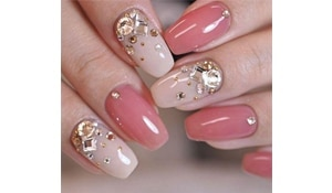 Jewel up your nails with these nail art ideas this festive season
