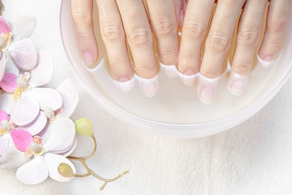 Nail polish that won't dry quickly