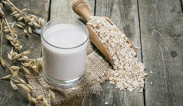 Oatmeal and milk—the hero ingredients you didn't know your mane needed