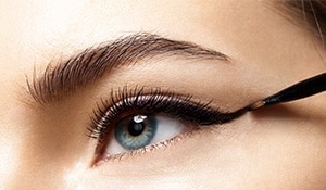 Simple steps to perfect that basic cat eye