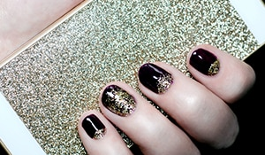 A step by step guide to removing glitter nail polish!
