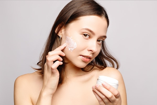 How should you incorporate polyglutamic acid-infused products in your daily skin care regimen?
