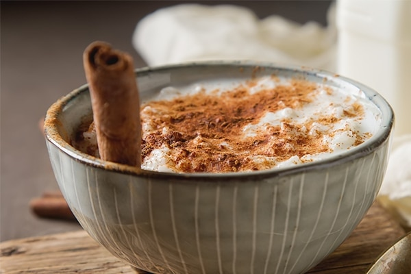 Rice and cinnamon mask for dry skin