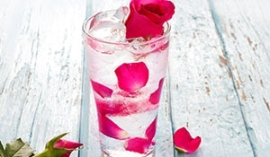 5 Unusual Ways How To Use Rose Water For Your Skin