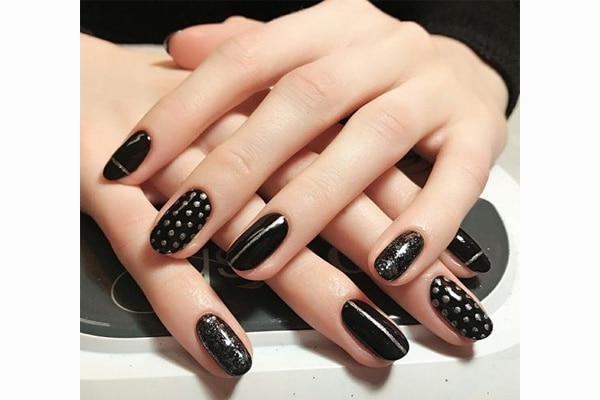 Round nails art design