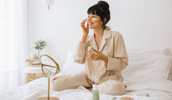 How to build a simple nighttime skincare routine using clean beauty products