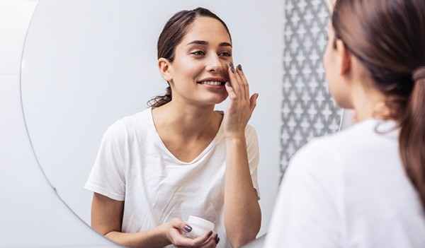 The ultimate moisturising skincare routine for girls with dry skin