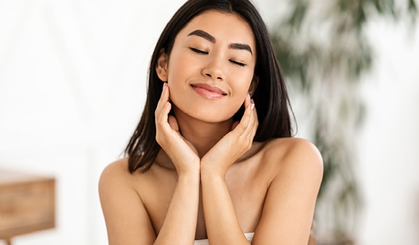 5 skincare tips to follow for glowing skin in monsoon