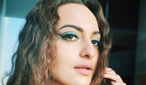 Get the look: Sonakshi Sinha's blue floating cat eye