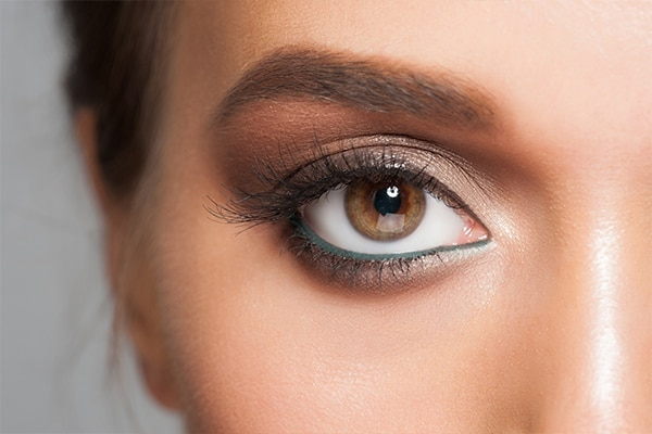 Myth #1: Don't wear an eyeshadow shade that's same as your eye colour