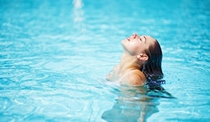 Pre and post-swimming skin care tips