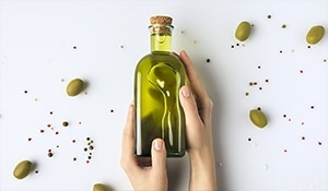 The miraculous olive oil is a magic potion for hair growth