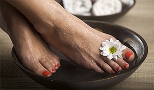 Treat your feet—5 home remedies to pamper tired feet