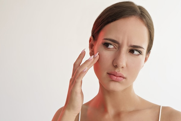 5 oily skin problems and how to deal with them | Be Beautiful India