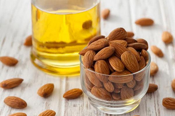 almond oil treat dead skin