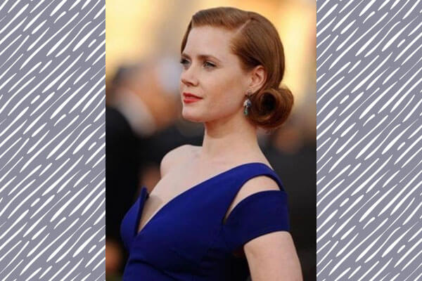 amy in vintage hairstyle on red carpet